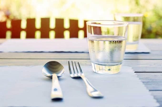 Японцы не пьют много воды во время еды